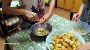 cookery tours Abruzzo sweet peaches recipe